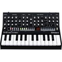 Аналоговый синтезатор Roland SE-02